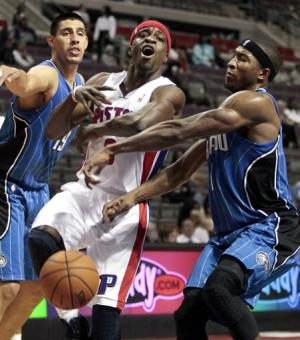 Stuckey, Monroe lead Pistons past Magic