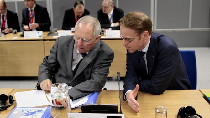 EU officials seek more private investment in jobs