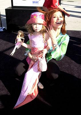 Premiere: Janine Turner with child at the Westwood, CA premiere of DreamWorks Pictures' Shrek - 4/22/2001