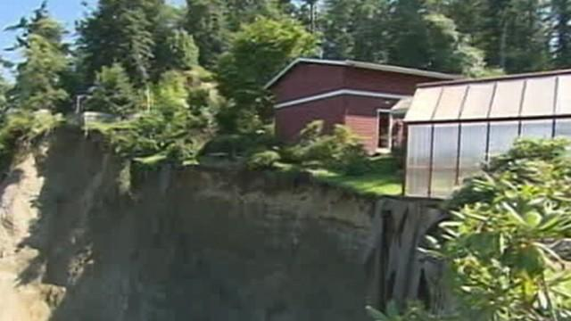 Washington House Poised to Fall Off 200-Foot Cliff: Caught on Tape