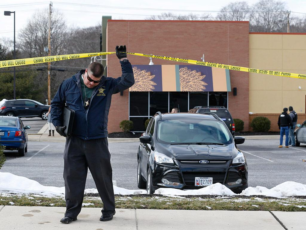 2 Sheriff's Deputies and Suspect Killed in Shooting at Panera Bread Restaurant in Maryland