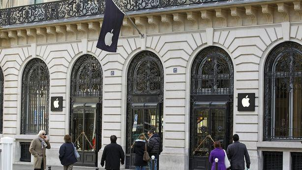 Bandits Make Off with $1.3 Million Worth of Apple Products in Paris