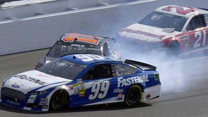 Edwards, Hamlin wreck with 8 laps to go