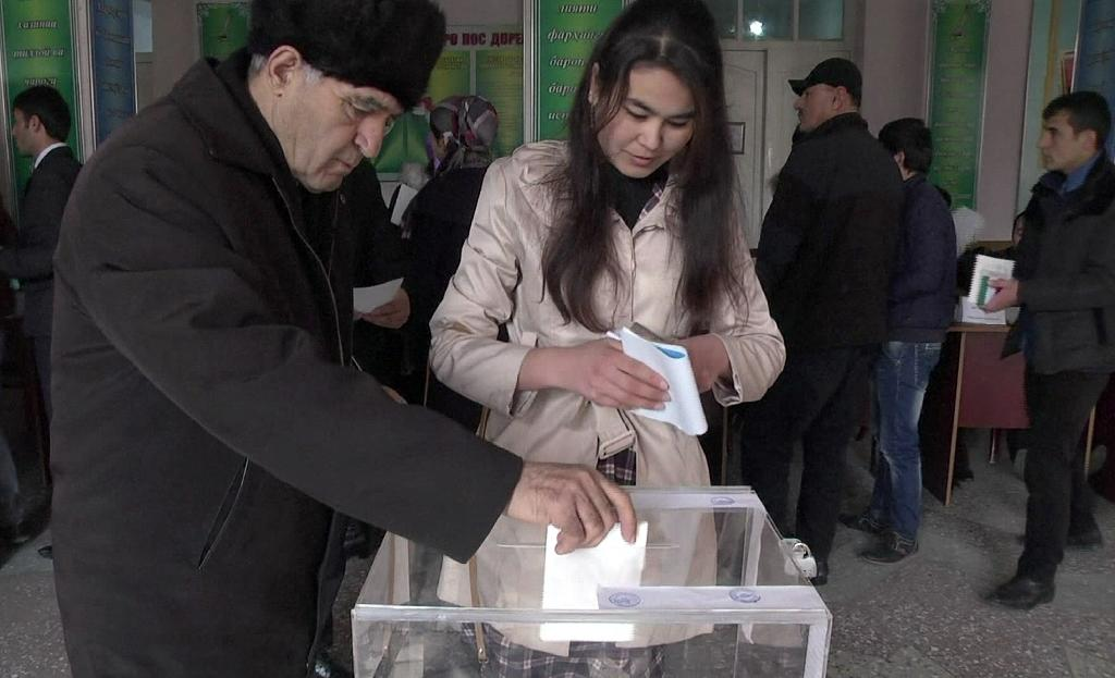 Tajik ruling party sweeps polls, opposition out
