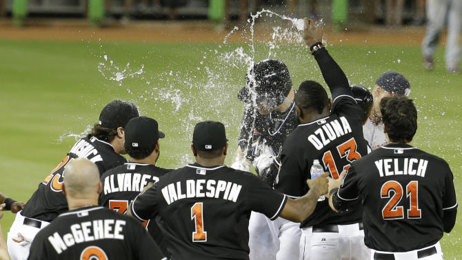 Marlins score 4 in 9th to beat Nationals 7-6