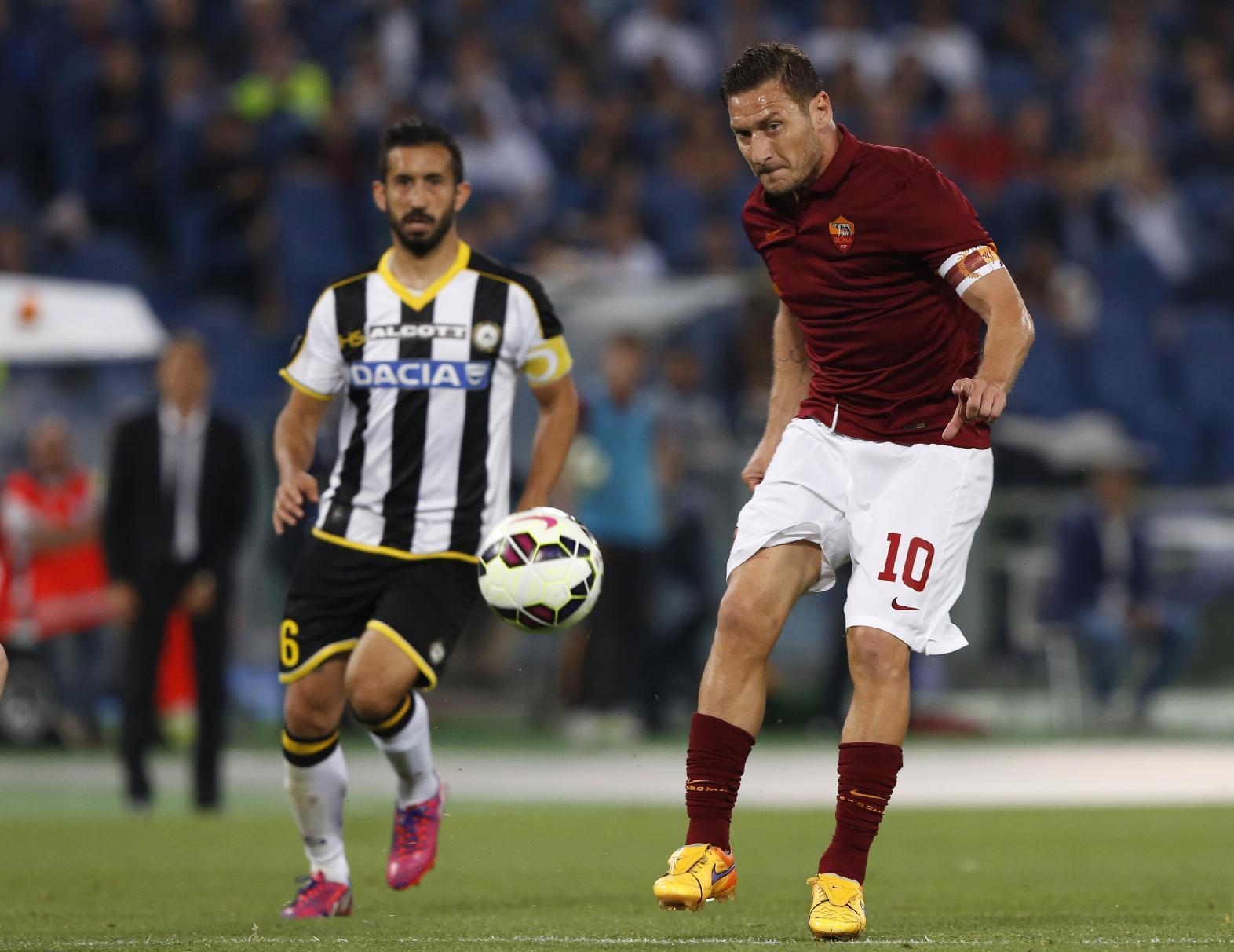 Rome derby is a contest for Champions League entry
