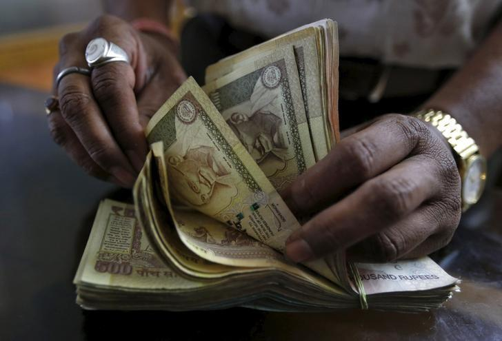 Foreign banks buy up bulk of Indian state government debt