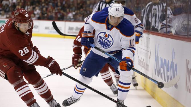 Coyotes knock off winless Oilers 7-4