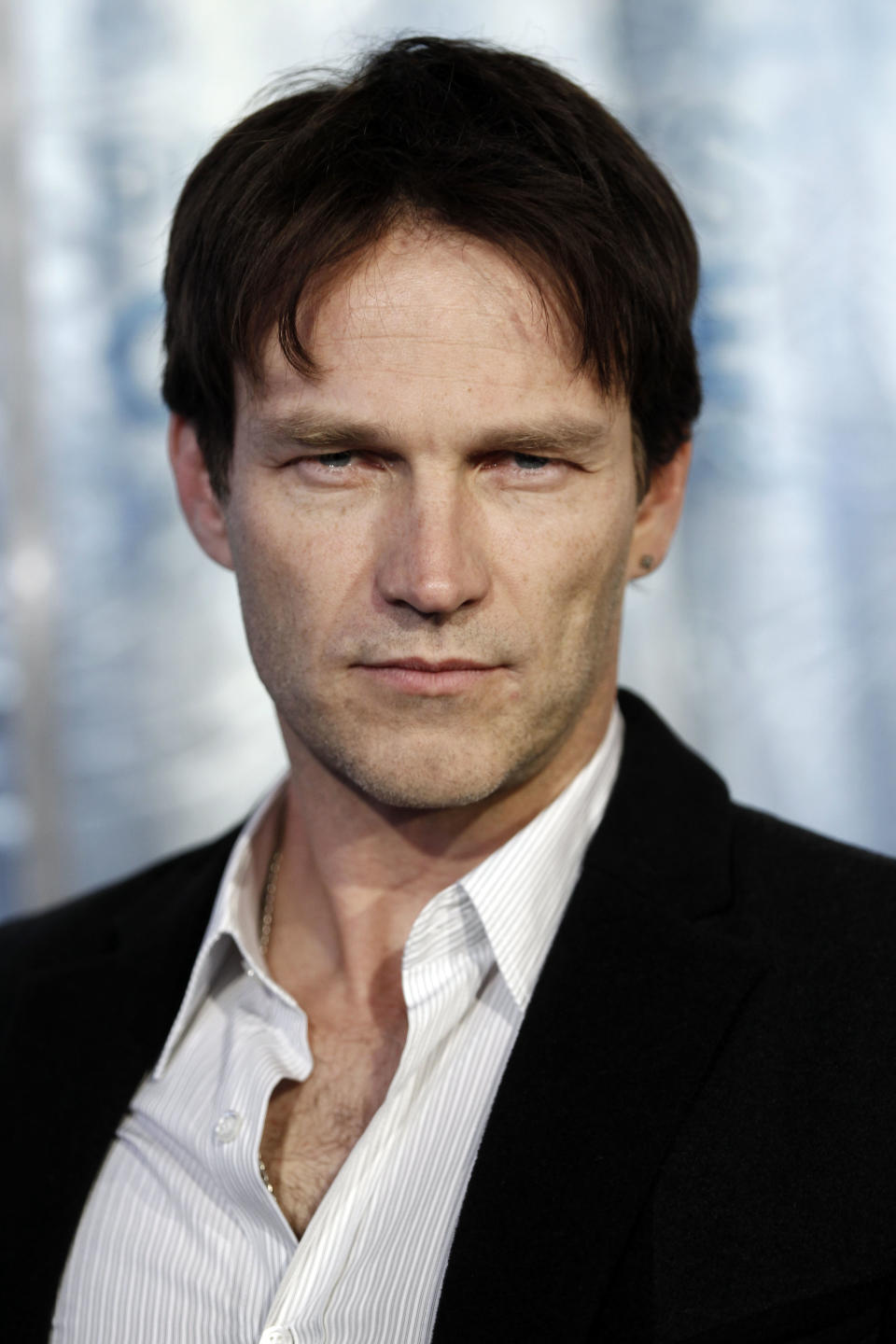 Stephen Moyer arrives at the People's Choice Awards on Wednesday, Jan. 5, 2011, in Los Angeles. (AP Photo/Matt Sayles)