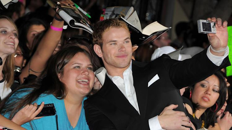 Twilight Saga New Moon LA Premiere 2009 Kellan Lutz