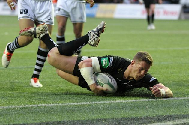 Rugby League - Super League - Widnes Vikings v Huddersfield Giants - Halton Stadium