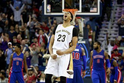 Anthony Davis is singlehandily keeping the Pelicans in the playoff race