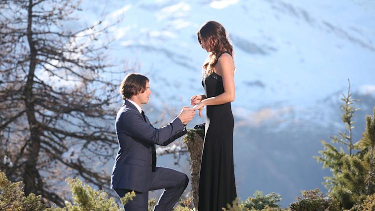"Ben proposes to Courtney on the season finale of ""The Bachelor."""