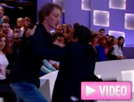 Elie Semoun s'est battu (pour de faux) au Grand Journal (VIDEO)
