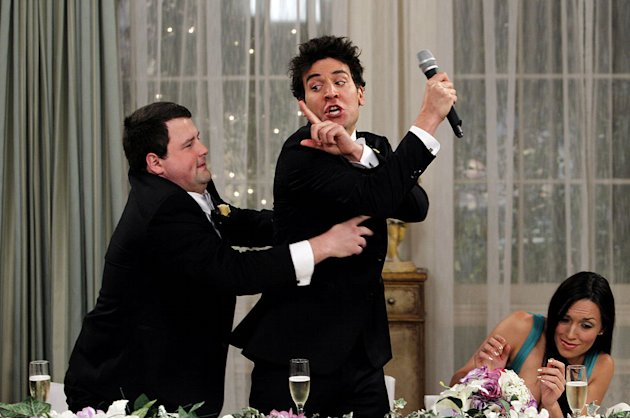 """The Best Man"" -- Punchy (Chris Romanski) tries to save Ted (Josh Radnor) from making a classic Mosby wedding toast, on the seventh season premiere of HOW I MET YOUR MOTHER, Monday, Sept. 19 (8:00-8:3"