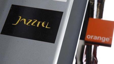 Orange in talks with buyers of fiber assets to get Jazztel deal approved