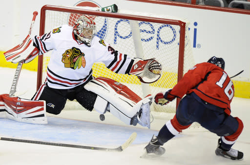 Toews SO goal lifts Blackhawks over Capitals 5-4