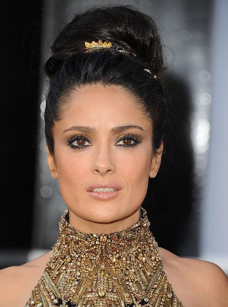 VIDEO: Get Salma Hayek's Oscar Look