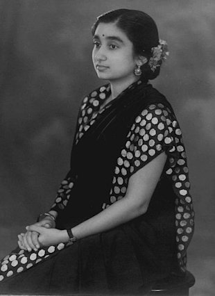 A young Dr Lakshmi Sahgal