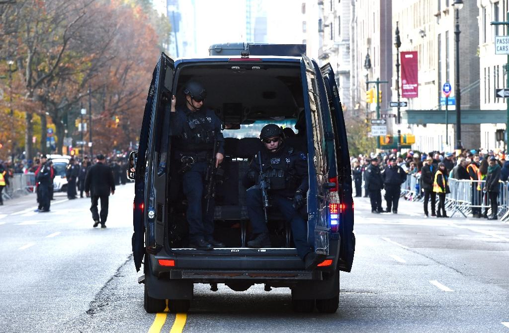 New York reassures tourists after terror threat