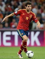 Spanish midfielder Cesc Fabregas controls the ball during the Euro 2012 football championships semi-final match Portugal vs. Spain on June 27, 2012 at the Donbass Arena in Donetsk. AFP PHOTO / FRANCK FIFE
