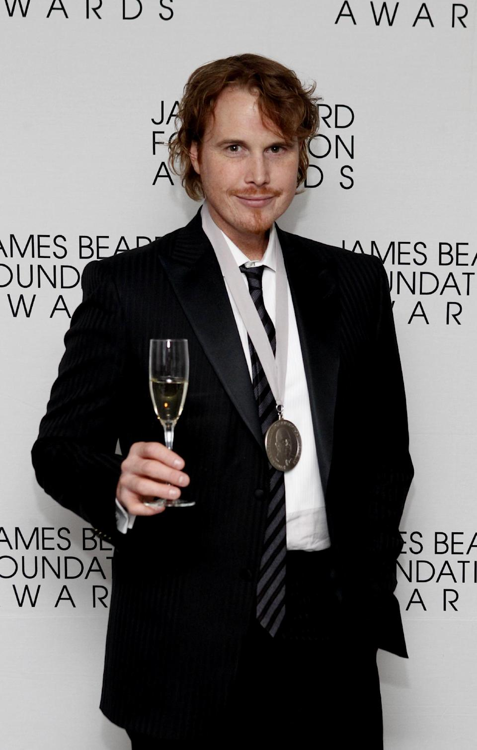 Chef Grant Achatz poses after his Who's Who of Food & Beverage in America induction during the James Beard Foundation Awards, Monday, May 7, 2012, in New York. (AP Photo/Jason DeCrow)
