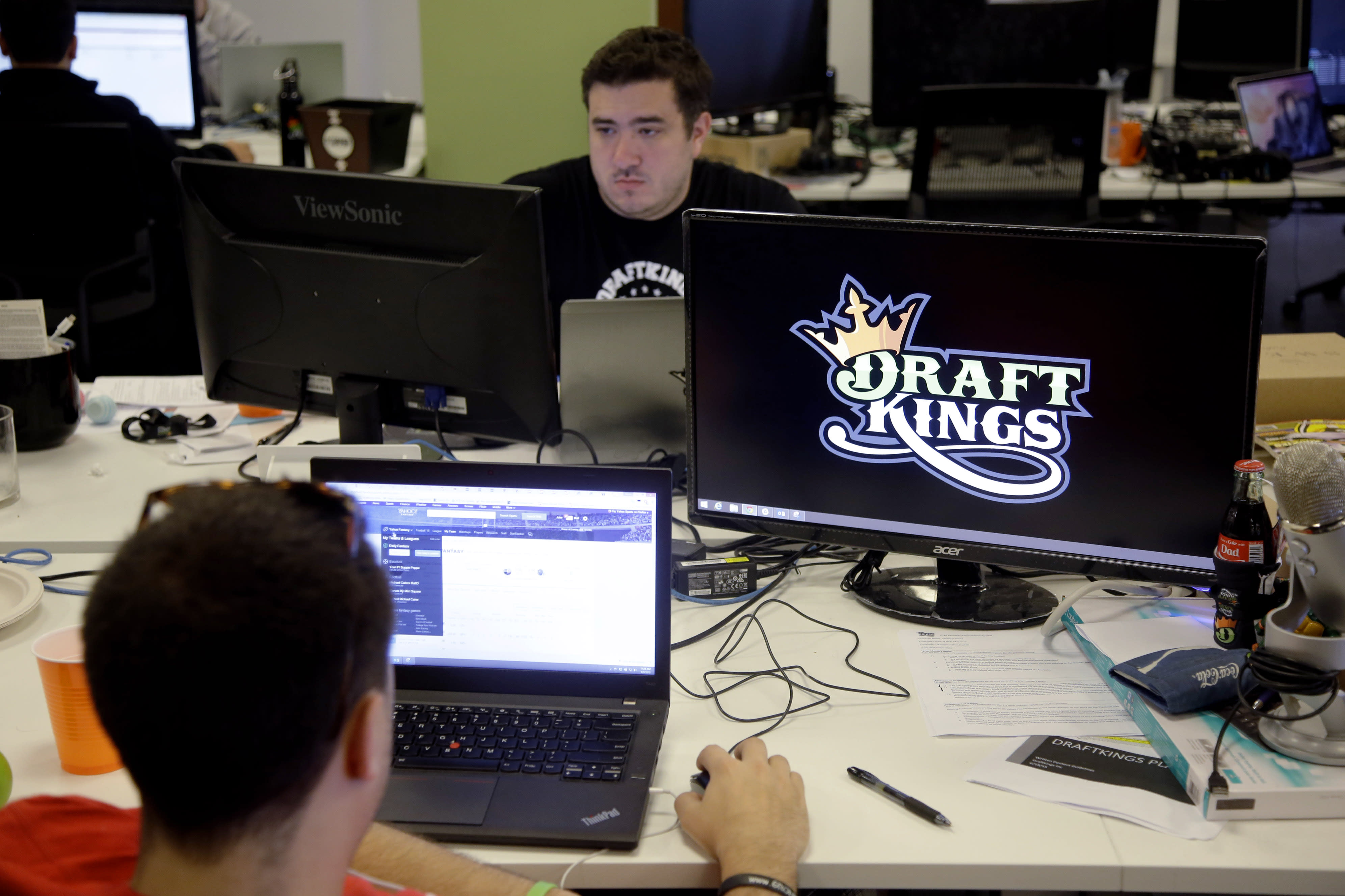 FanDuel bans employees from all daily fantasy play for money