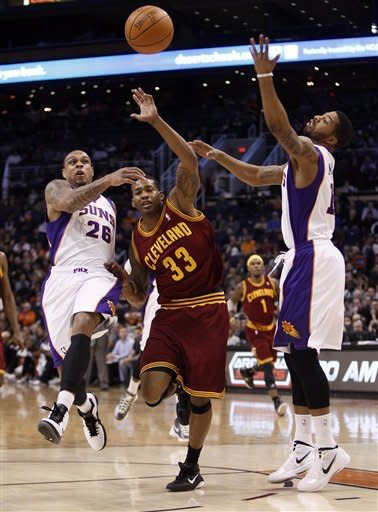 Irving leads Cavaliers past Suns, 101-90