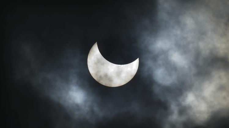 Israelis View Partial Solar Eclipse