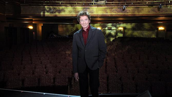 """Manilow Way"" Unveiling"