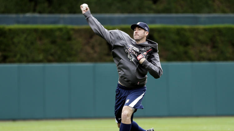 Detroit Tigers pitcher Justin Verlander throws at Comerica Park in Detroit, Monday, Oct. 15, 2012, to prepare for his start against the New York Yankees in Game 3 of the American League championship series Tuesday. Detroit leads the series 2-0. (AP Photo/Paul Sancya)
