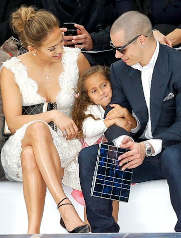 PIC: Aww! Jennifer Lopez&#39;s Daughter Emme Anthony, 4, Sits With Mom and Casper Smart at Paris Fashion Week Show