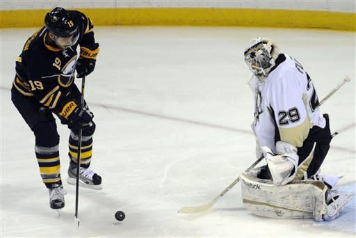 Crosby sets up winner in Pens' 4-3 win over Sabres