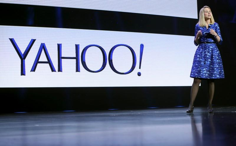 Yahoo board to weigh future of company, Marissa Mayer: source