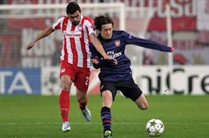Olympiakos 2-1 Arsenal:  Rosicky strike not enough as Gunners miss out on top spot