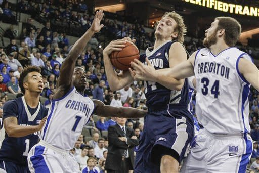 No. 14 Creighton rolls early, tops Longwood 105-57