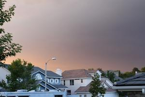 Photos: L.A. Wildfire Worsens Air Quality on Monday Morning