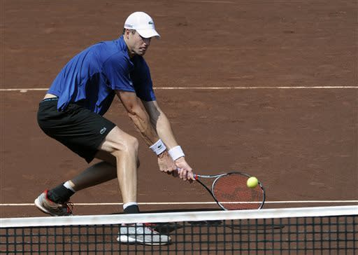 Isner wins US Men's Clay Court Championship