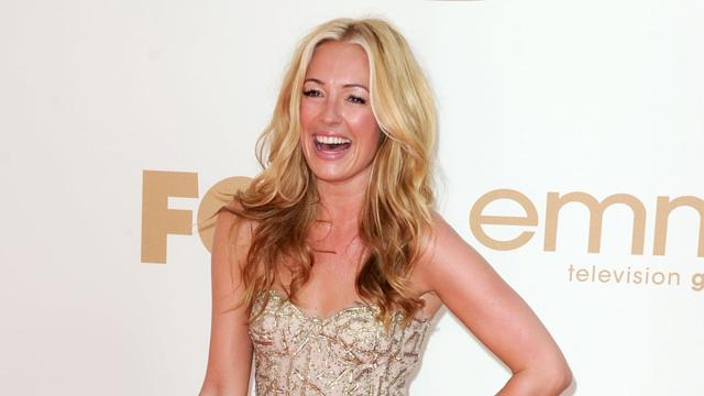 On The Set of 'The Exes' with Cat Deeley