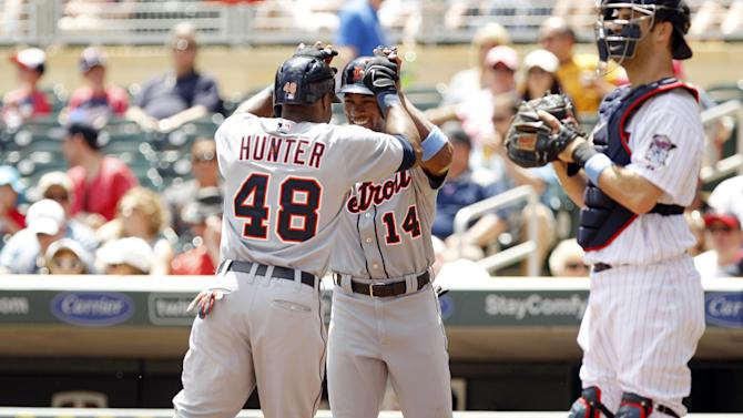Fister, Hunter lead Tigers over Twins 5-2