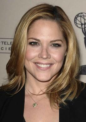Mary McCormack To Star In NBC Comedy Pilot 'Welcome To The Family'