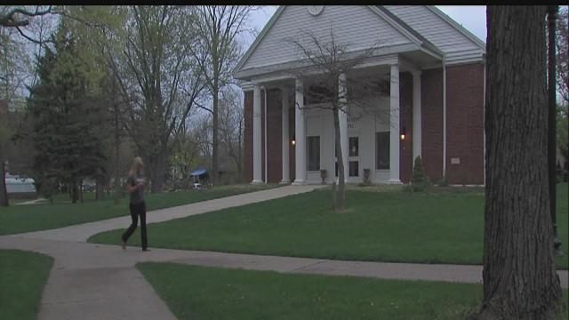 Franklin College student says she was robbed at knifepoint on campus