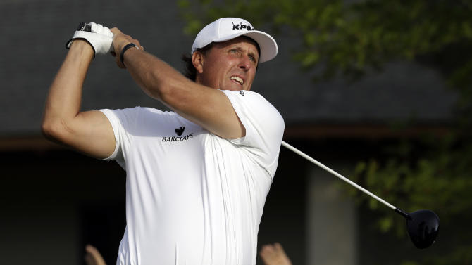 A slow start, and good recovery, for Mickelson