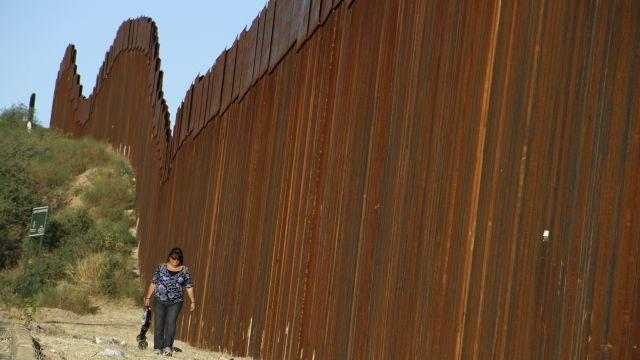 What it would take to build the fence Donald Trump wants between the US and Mexico
