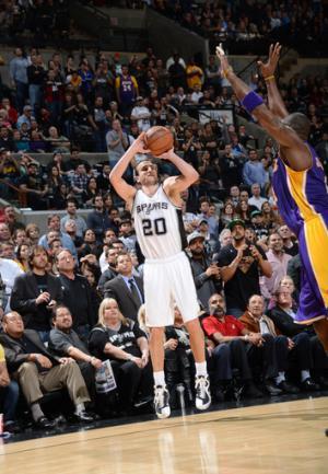 Parker scores 24 as Spurs beat slumping Lakers