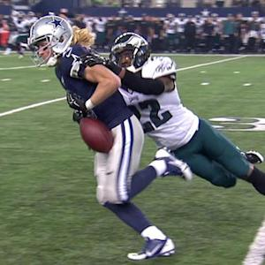 Dallas Cowboys Cole Beasley's costly fumble recovered by Philadelphia Eagles safety Nate Allen