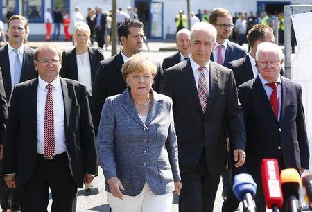 Refugee crisis suddenly Merkel's biggest challenge