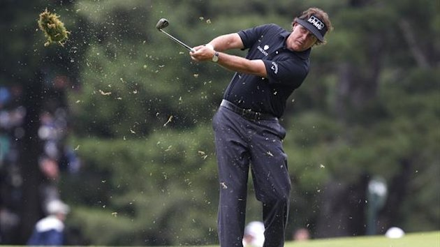 Phil Mickelson on his way to leading the US Open during a storm-hit first round