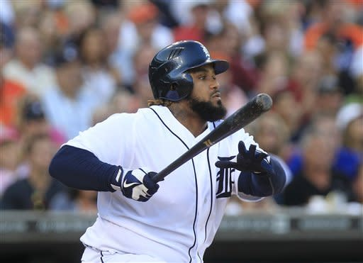 Verlander leads Tigers past White Sox 4-2