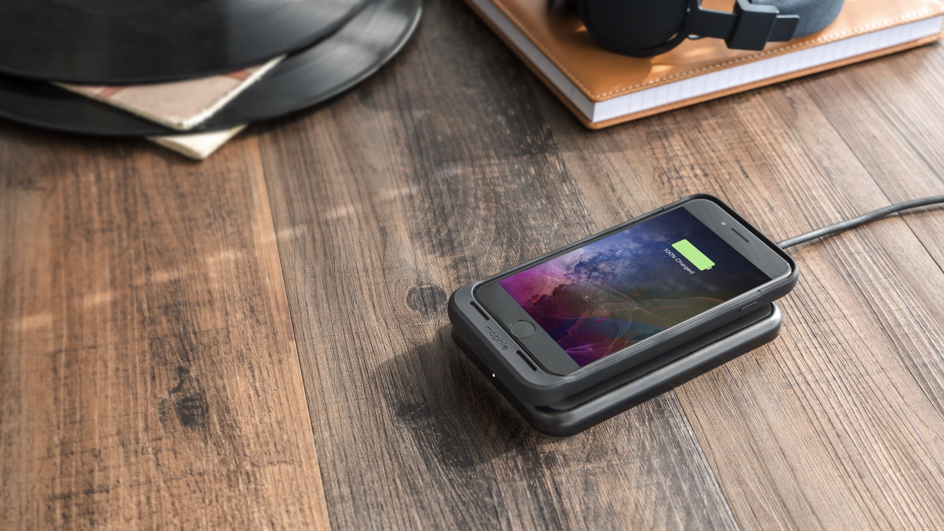 Mophie's new battery case for iPhone 7 can charge wirelessly